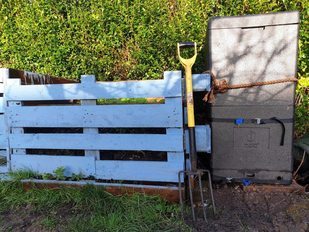Hot Bin next to a pallet bin